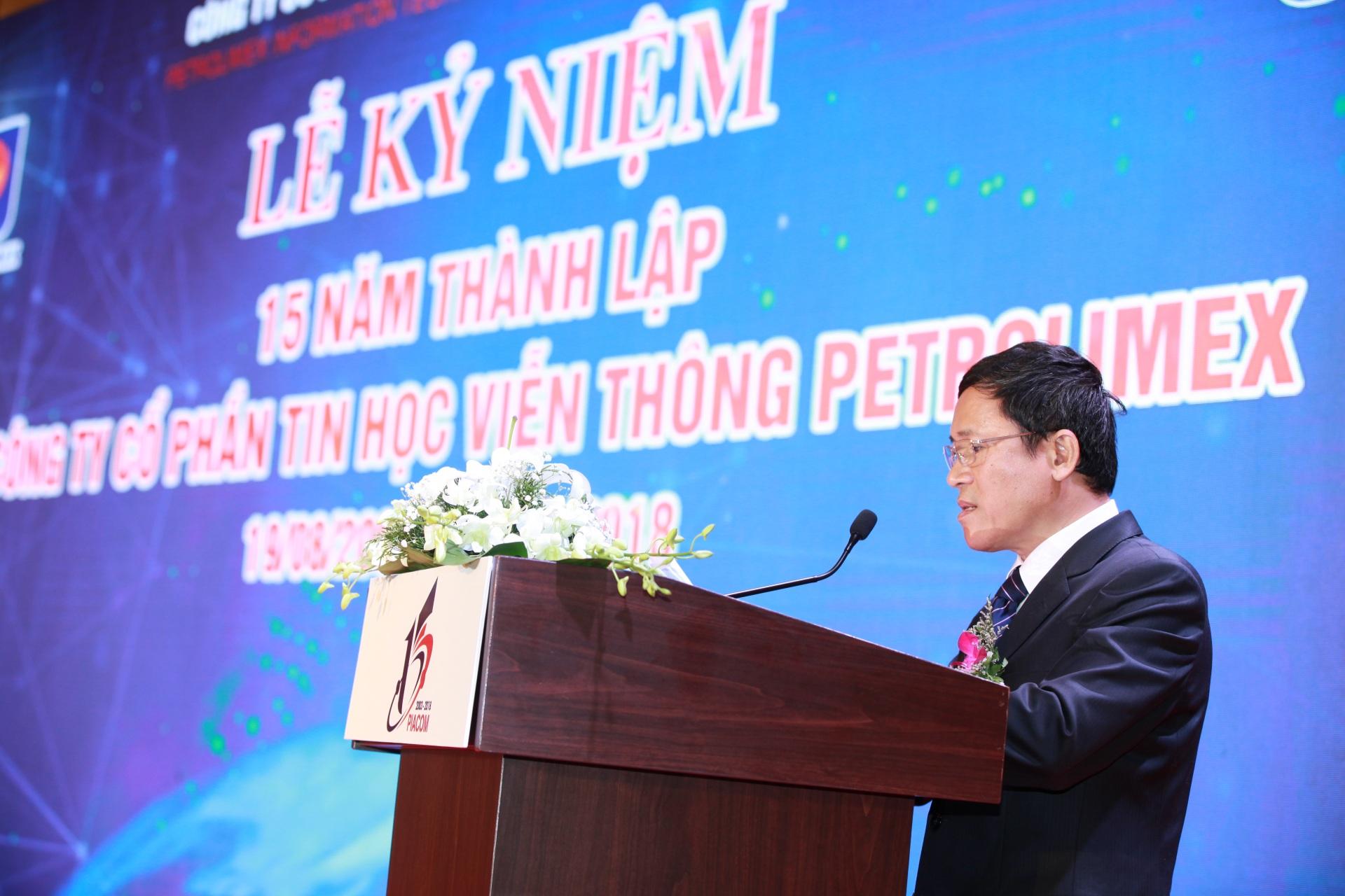 Giấm đốc PIACOM Phan Thanh Sơn có đôi lời phát biểu